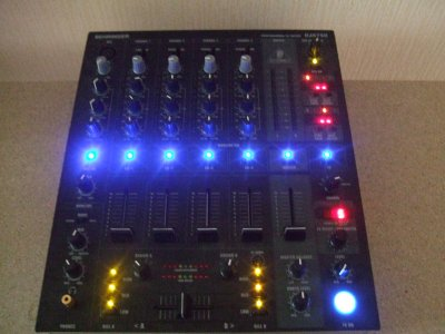table de mixage  beringer djx 750