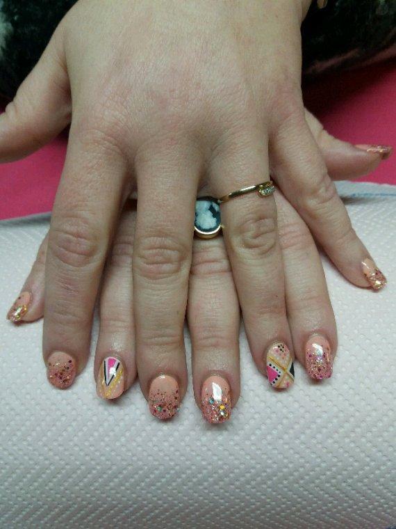 Les couleurs du nail art