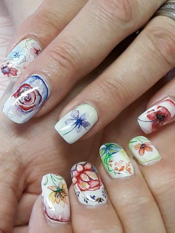 Peint main a l aquarelle effet porcelaine