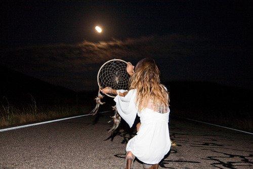 on tourne tellement en rond mon coeur, qu'on va s'épuiser à force de s'adorer.