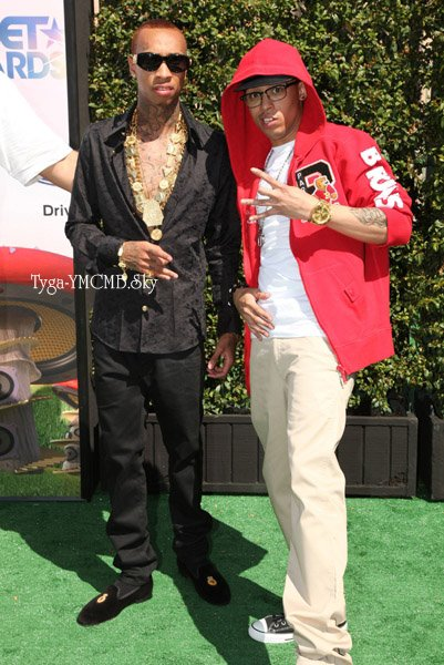 Tyga Arrival BET Awards 2011 En mode Lest King