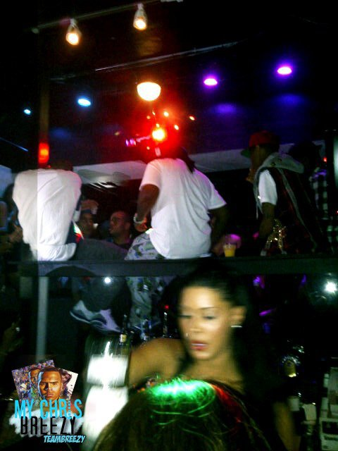 Chris Brown et L'Equipe FAMETour Au Club In TORONTO