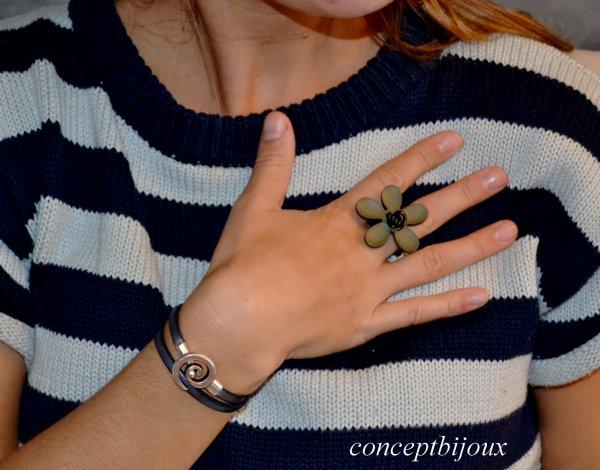 bague orchidée et double bracelet en cuir veritable