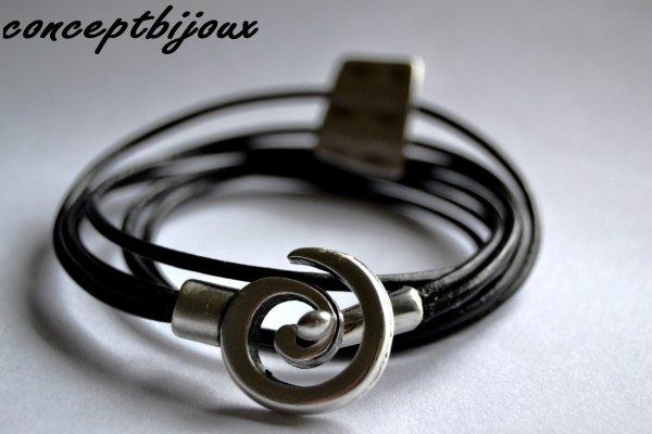 de nouveaux bracelets en cuir