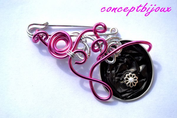 broche what else rose