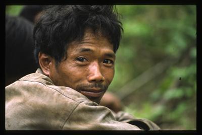   combałs   peuple et localisation : mlabri, nord de la thaïlande