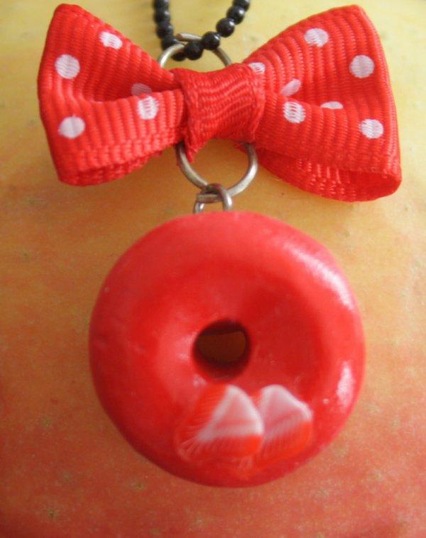 Collier donuts à la fraise