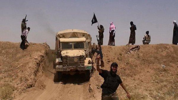 """Syrie : 700 membres d'une tribu """"exécutés"""" par des jihadistes...."""