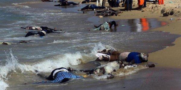 La marine égyptienne bombarde des immigrants africains qui tentent de joindre l'Europe ...