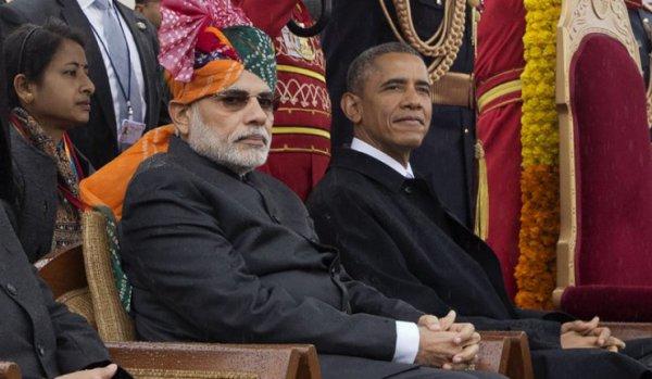 Obama assiste au défilé du matériel de guerre russe en Inde...