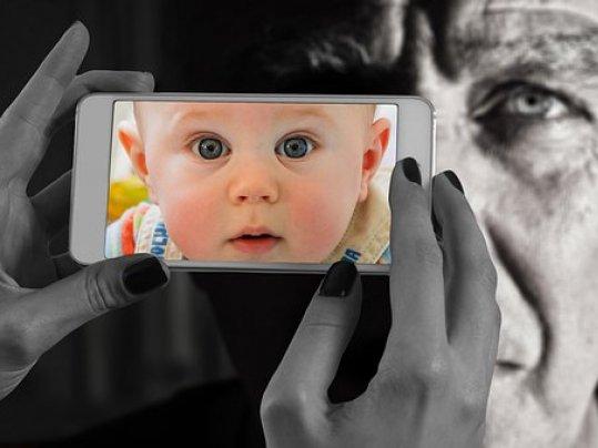 L'enfantement des écrans...