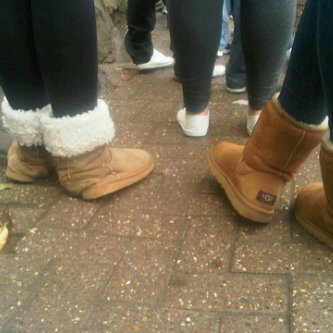 Vrai UGG vs Fake