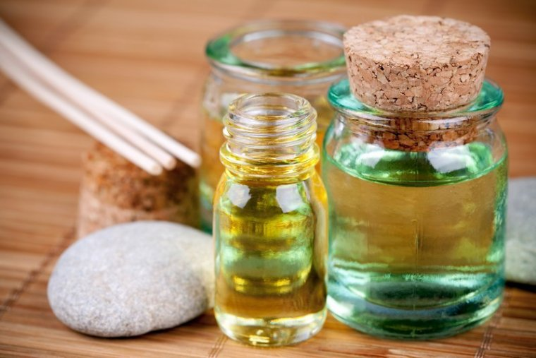 L'aromathérapie et ses huiles essentiels. [Article #005]