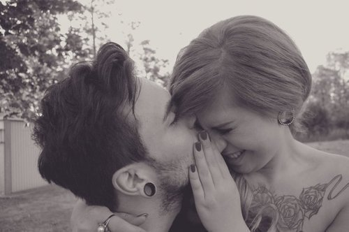 Et si un jour tu reviens, tu tomberas sur le répondeur. Mais je reste une fille bien, je te souhaite beaucoup de bonheur.