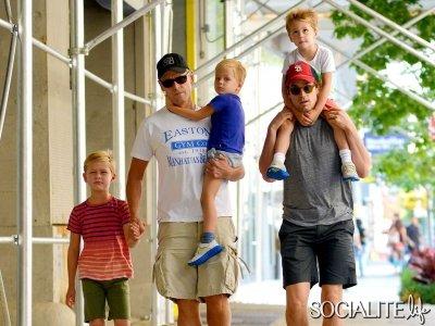 Matthew Staton Bomer et sa Famille.