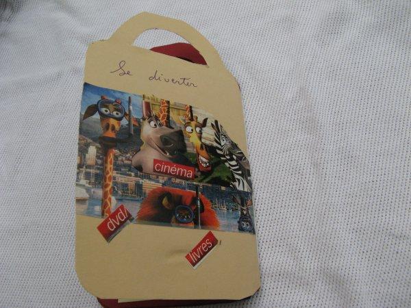 pour mon amie  une carte....en forme de sac..