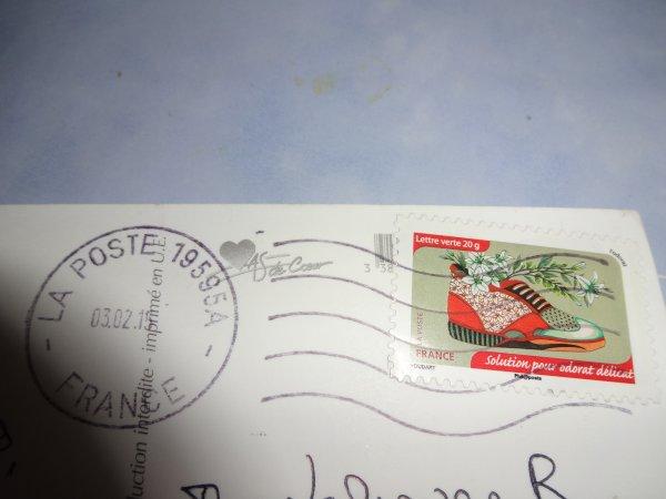 pendant mes vacances j'ai recu la jolie carte de Jo merci à toi et ma commande superbe travail