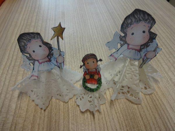 des petits anges pour décorer la table