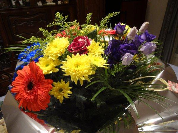 mes invités samedi m ont apporté un très joli bouquet je viens partager avec vous...