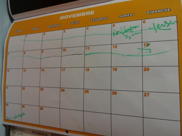 est ce normal d'avoir ce genre de calendrier que j'ai acheté??? chercher l'erreur....