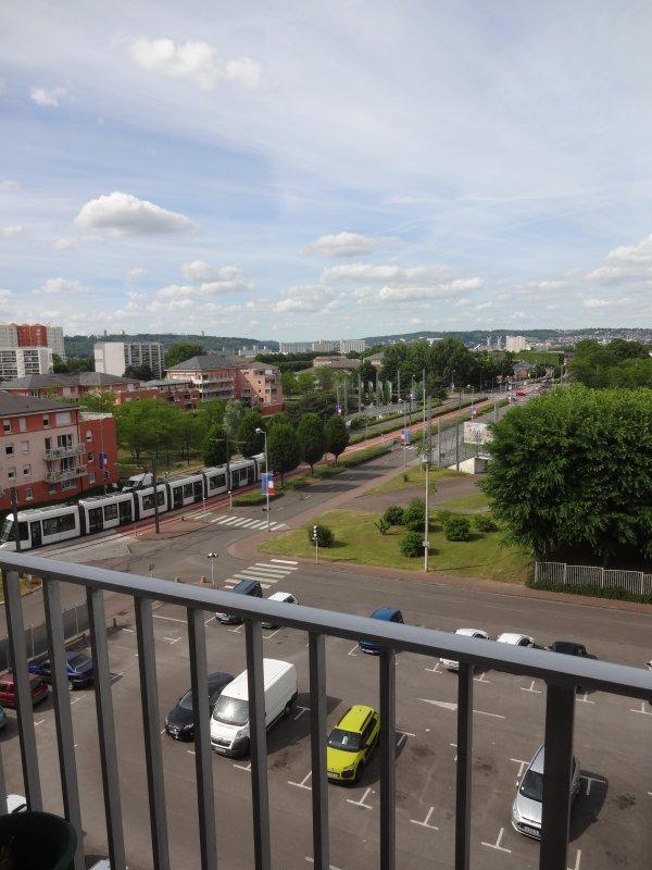 ma ville et ses alentours   photos prises du balcon de chez une amie