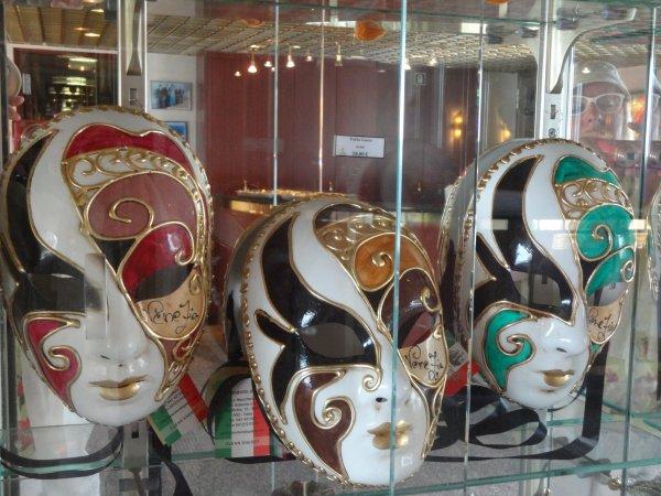 suite  les masques