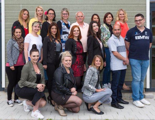 Une partie des candidates et candidats et le comite Miss Pays d'Alsace 2018