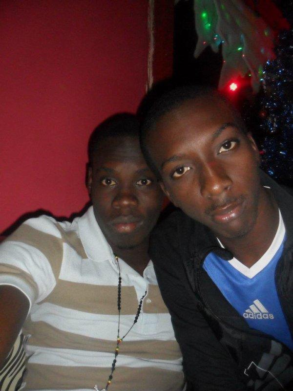 Ebenezer Ademola et Issa BCBG