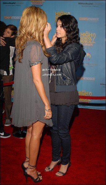 Vanessa & Ashley 30 Août