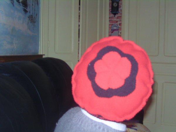 bonnet et porte crayon fait par mes petites mains du vendredi