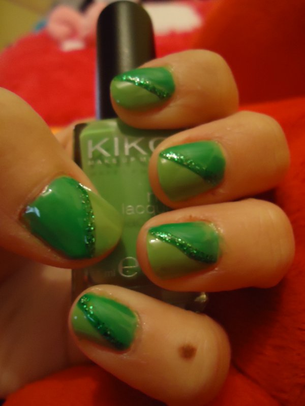 Challenge Day 4 : Green Nails
