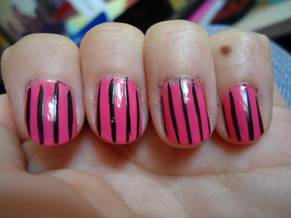 Challenge Day 12 : Stripes Nail