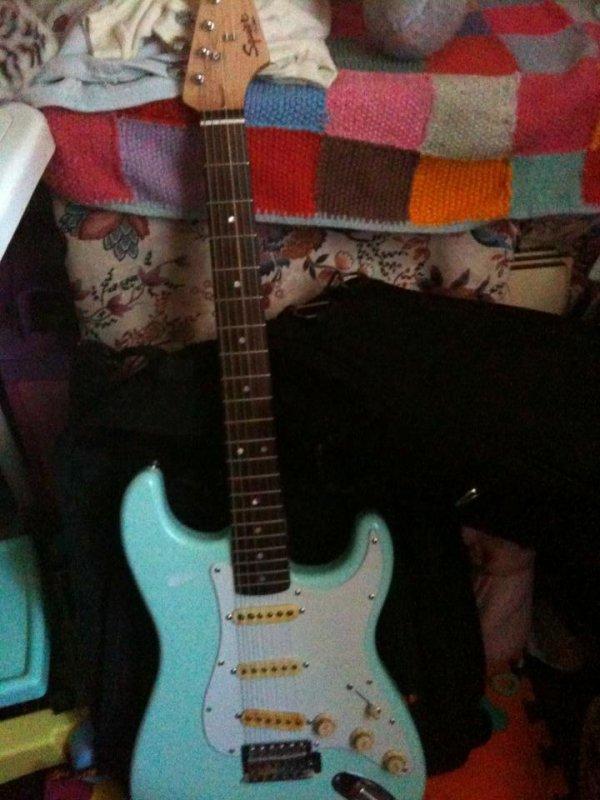 ma nouvel petite guitare
