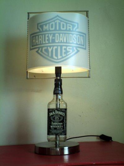 lampe jack daniels l 39 artiste. Black Bedroom Furniture Sets. Home Design Ideas