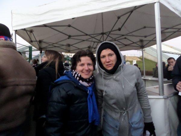 Photo avec Elise Bussaglia ( Olympique Lyonnais)