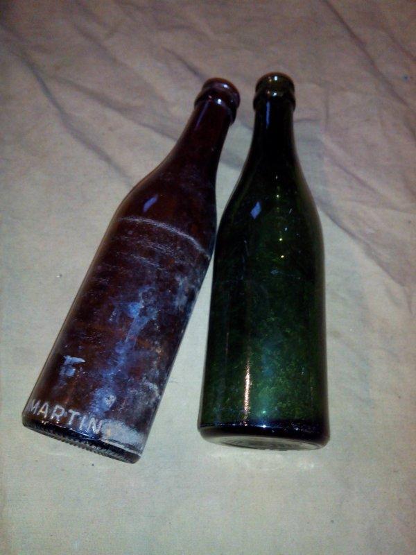 Des bouteilles .