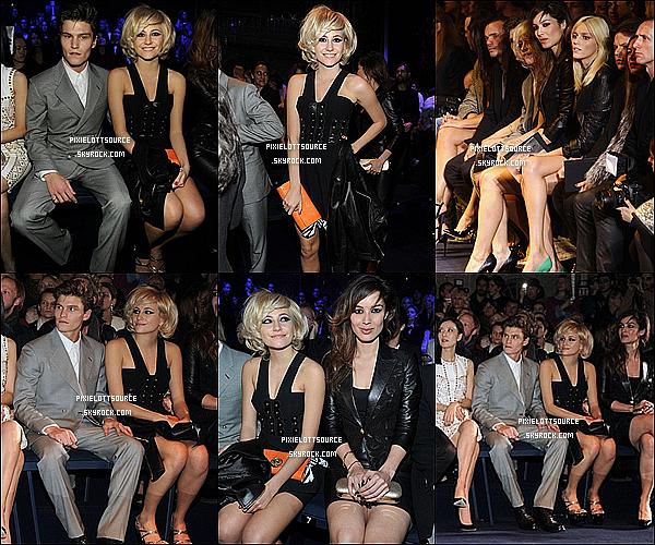 24 Février 2012: Pixie Lott a était vue à la fashion week , plus exactement au défilé de Versace.