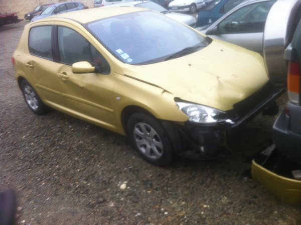 Pauvre voiture :'( et New voiture :D