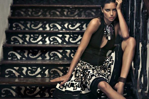 Adriana Lima pour Donna Karan