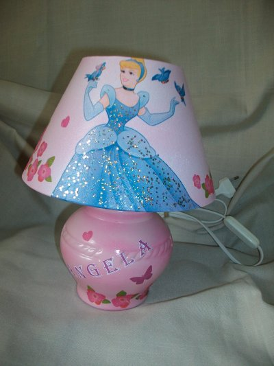 Lampe de chevet princesse cendrillon la copie n 39 est pas for Lampe de chevet princesse conforama