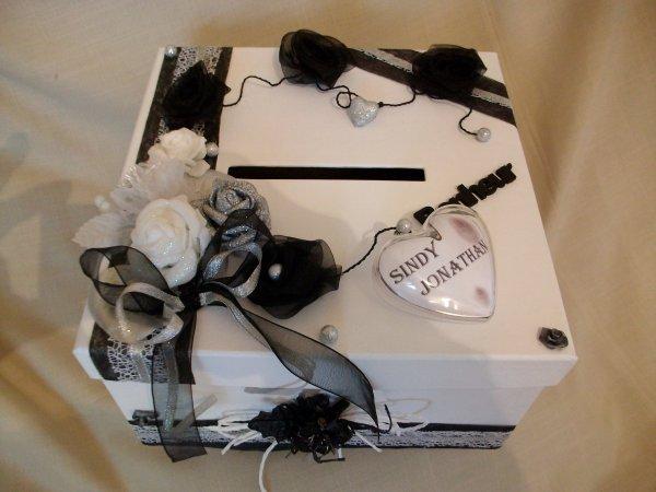 urne mariage blanc noir gris la copie n 39 est pas un art. Black Bedroom Furniture Sets. Home Design Ideas