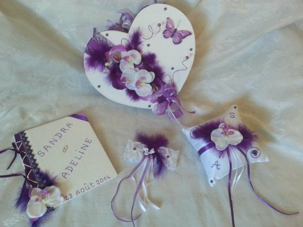 Urne mariage blanc violet et vert anis la copie n 39 est - Ou trouver de la mousse pour faire des coussins ...