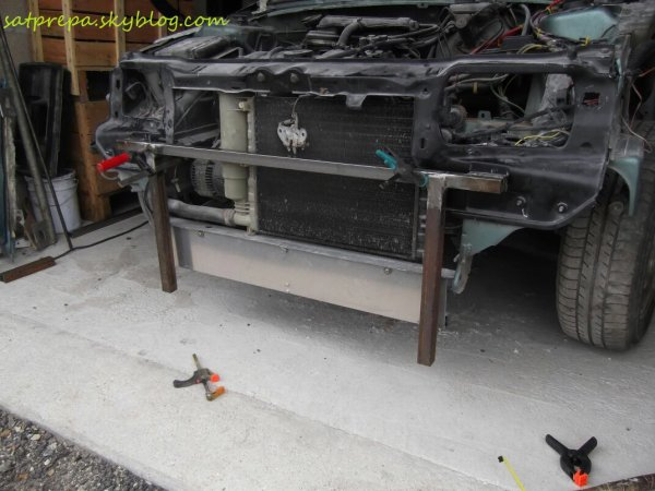 Fabrication  des charnières du flip front