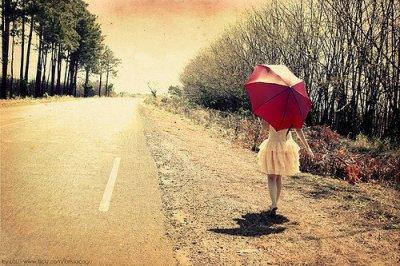 Vous êtes l'odeur avant la pluie. Vous êtes le sang dans mes veines.