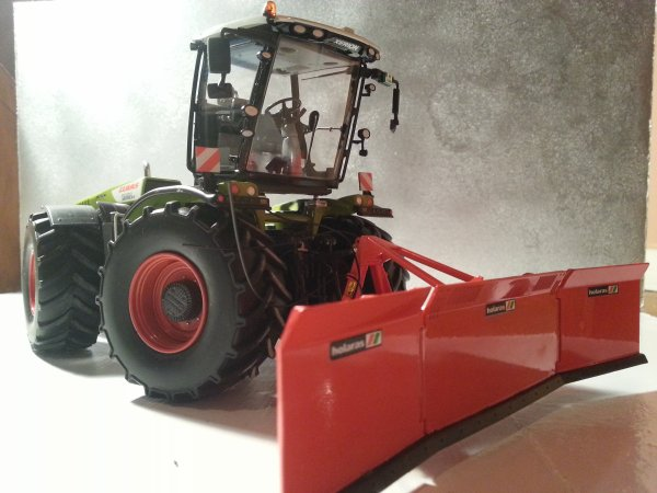 news: Claas Xérion5000 WIKING