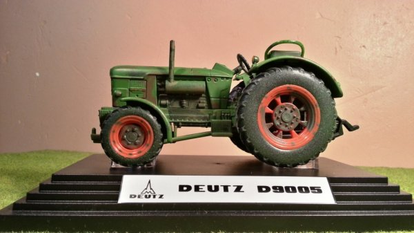 News:  Deutz D9005 édition limitée; Siku