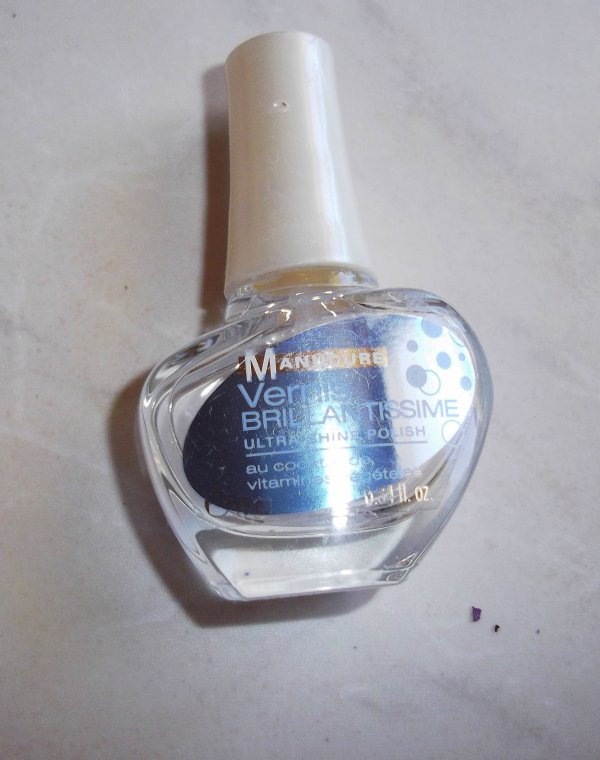 Vernis transparent durcisseur .