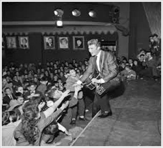 Johnny Hallyday est mort à l'âge de 74 ans