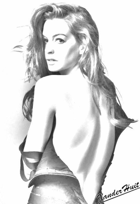 Portrait Anne Hathaway by XanderHuit