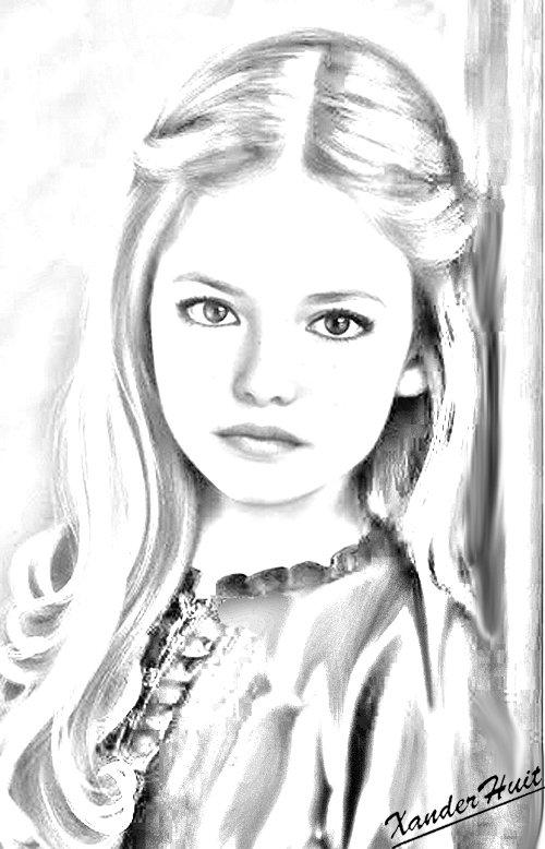 Portrait Mackenzie Foy by XanderHuit